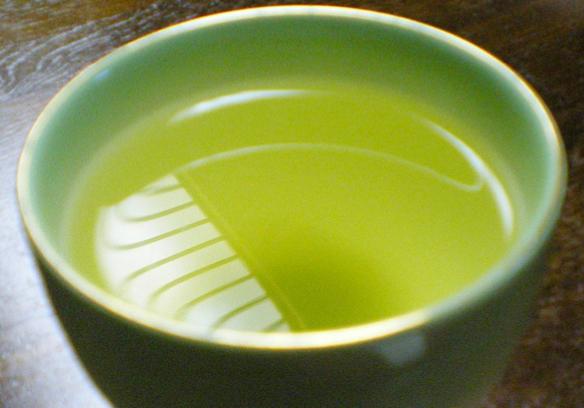 おいしい淹れ方を知って、新茶をもっと楽しみましょう。